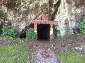 A very cool cave burial site